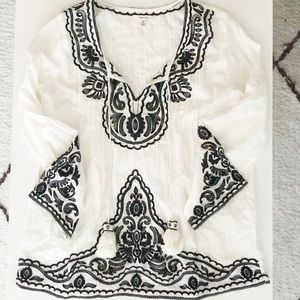 Sophie Max Embroidered blouse/tunic top!